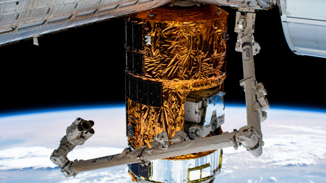 Canadarm2 and Japan's HTV-9 Resupply Ship